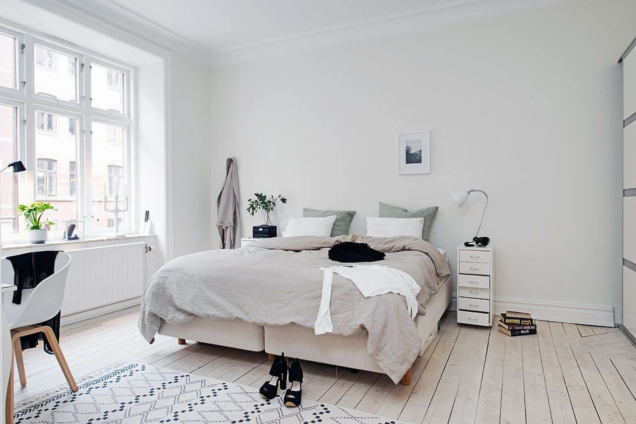 Use Wainscoting And Crown Moulding to Make Your Rooms Look Larger ...