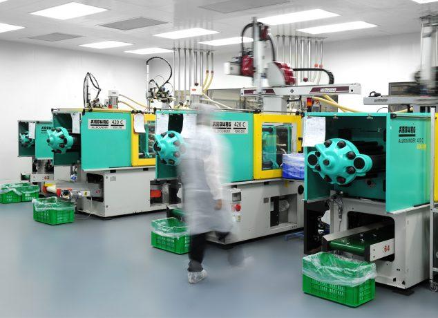 Plastic Molding in Medial Industry