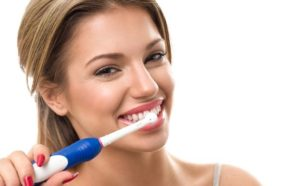 Frank Roach Dentist Shares Tips for Proper Brushing And Flossing