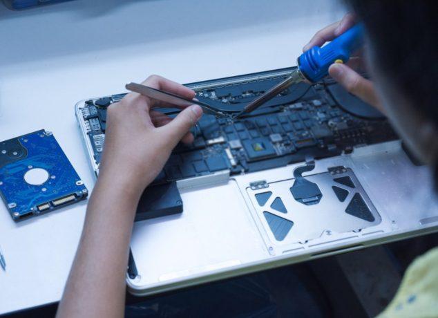MacBook Technician